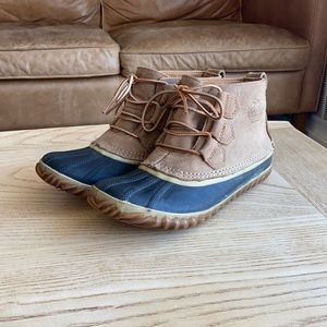 Sorel Out N About Lace Up Boot womens 7 elk